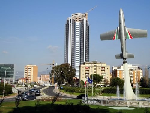 grattacielo torre pontina latina foto